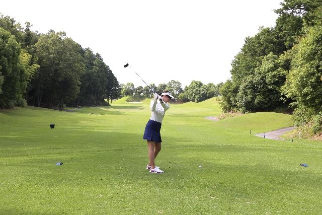 ゴルフのバックスイング。左腕の使い方を覚えよう!