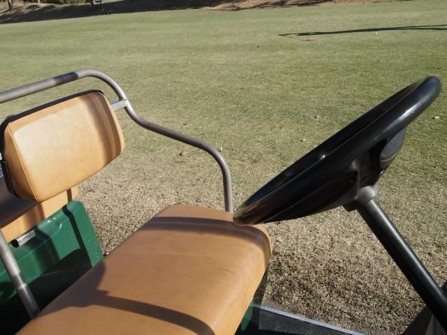 【ゴルフ教えて!】ゴルフ場でのカート運転には免許は必要?