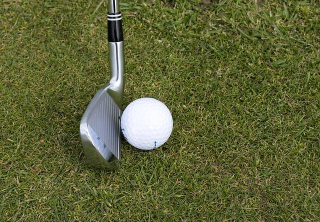 【ゴルフの基本】アイアンはアドレスでトゥは浮きます!