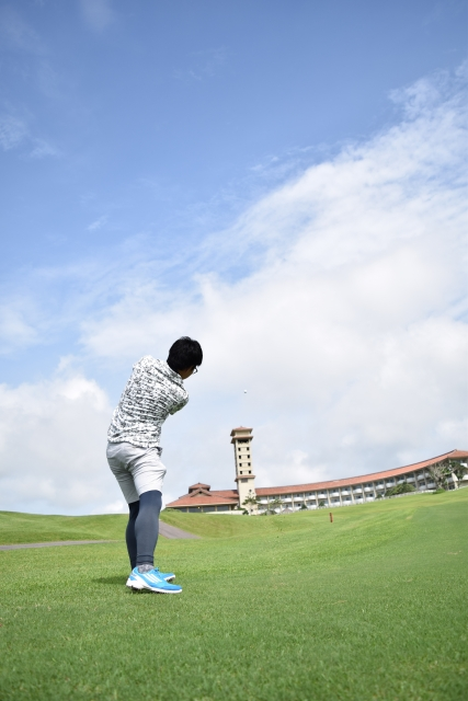 【ゴルフ上達】ダウンスイングはゆっくりリズムで飛ばそう