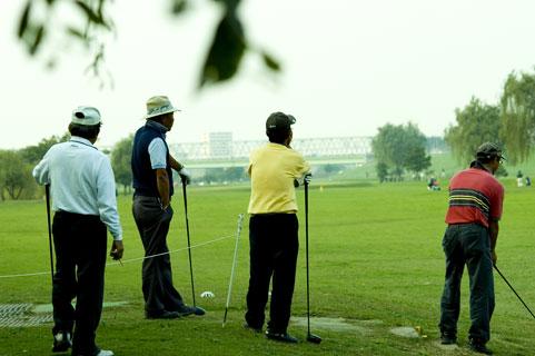 【ゴルフ教えて!】コンペをするときのハンデの決め方は?
