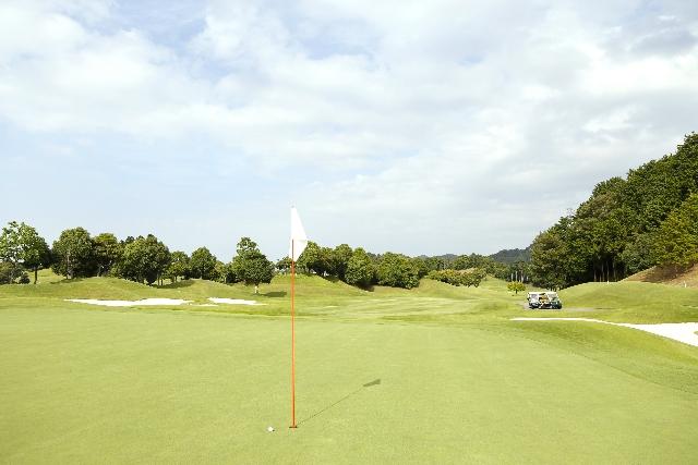 【ゴルフ教えて!】距離表示はグリーンエッジ?センター?