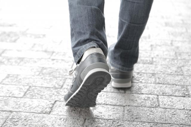 ゴルフ1ラウンド。一日で歩く距離は?歩き・乗用カート