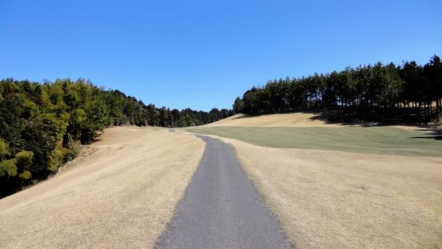 ゴルフ場でobに飛ぶと「ファー!」と叫ぶのはルールなの?