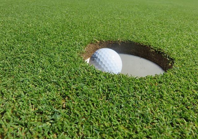 【ゴルフ教えて!】ゴルフボールのサイズは決まっているの?
