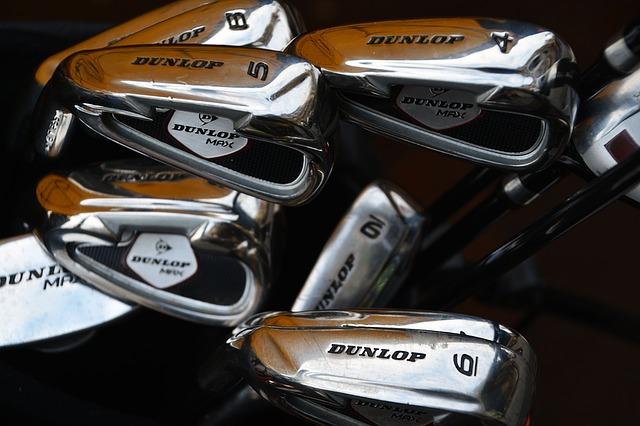 ゴルフでレフティは極少数。悲喜こもごものブログをのぞく。