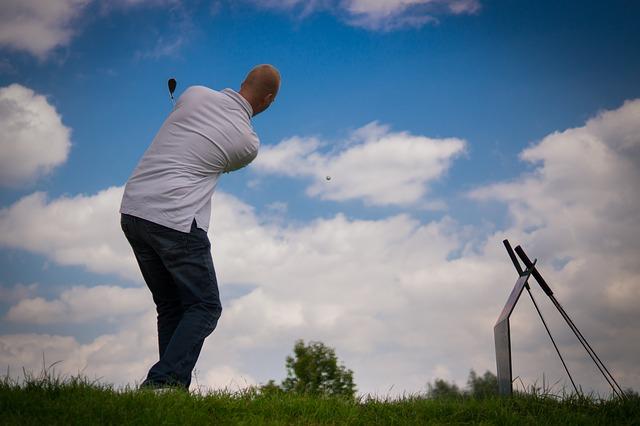 ゴルフ練習法:ショートスイングで身体の使い方を覚えよう!