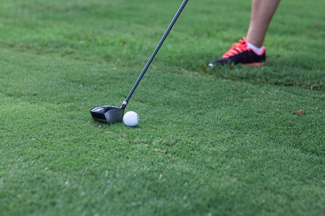 ゴルフスイングの始動のきっかけはスイングの重要なポイント