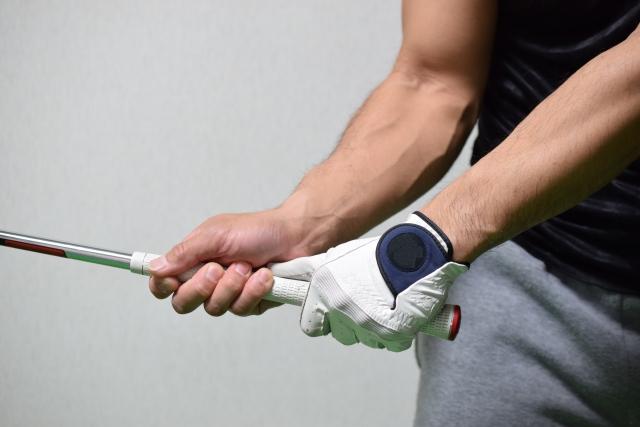 ゴルフスイング、右手と左手の違う動きを身体で理解しよう!