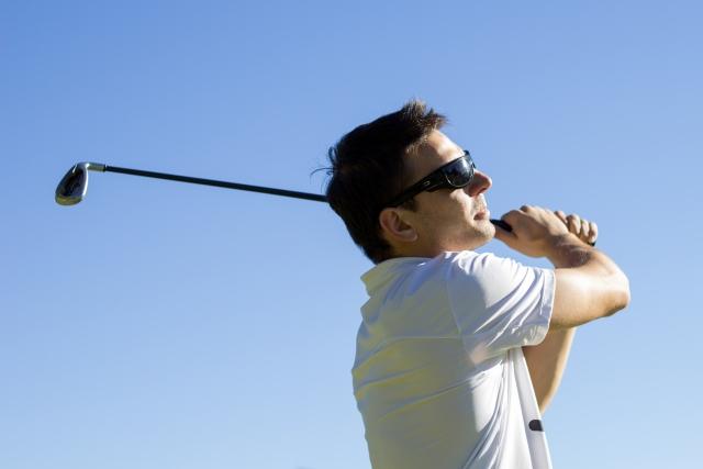 欧米人のゴルフスイングで、アイアンショットの違いを感じる