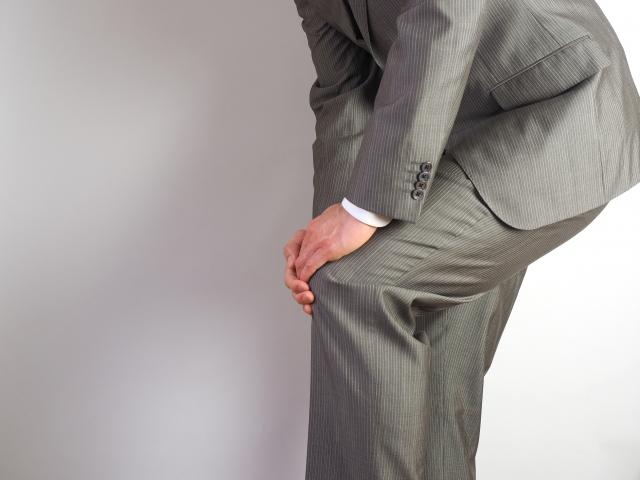 膝の痛みはどこ?内側の場合の対処方法~湿布やその他の方法
