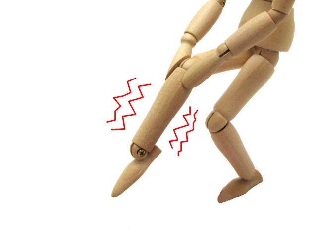 膝の筋肉が痙攣する原因とは…実はそれ非常に危険な症状です