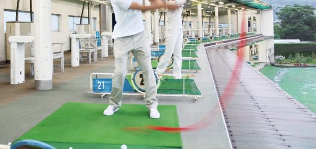 ゴルフのスイングプレーンを改善に役立つ、練習機のいろいろ