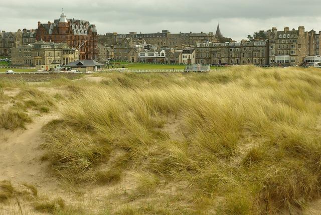 風の強い日のゴルフがなぜか楽しいと思える!打ち方を伝授!