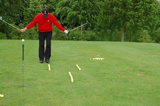 ゴルフスイングはコックをほどかないスタイルがスタンダード