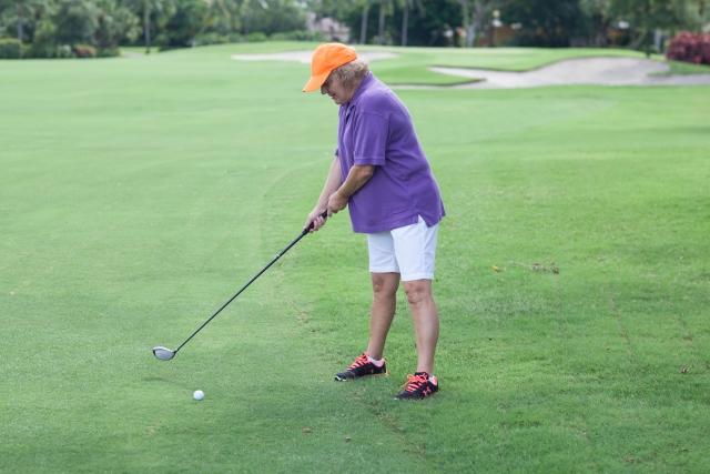 必見!ゴルフスイングでボールに当たらない時の原因と対処法