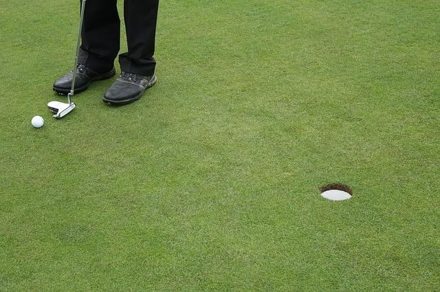 ゴルフスコアを大きく左右する正しいパターの打ち方を学ぼう