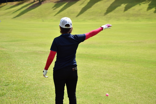 ゴルフのルール改正に伴って変更されるドロップの方法と位置