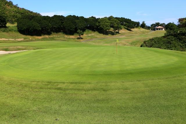 【ゴルフのルール】勘違いしがちなサブグリーンでの処置方法