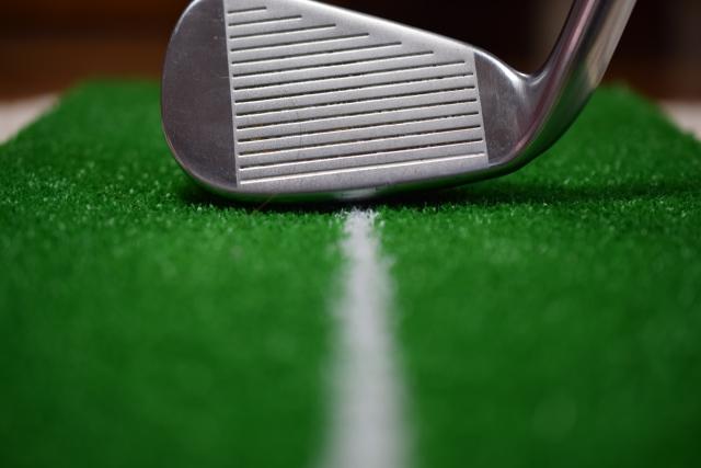正しいゴルフスイングに必要なライ角とロフト角の調整とは