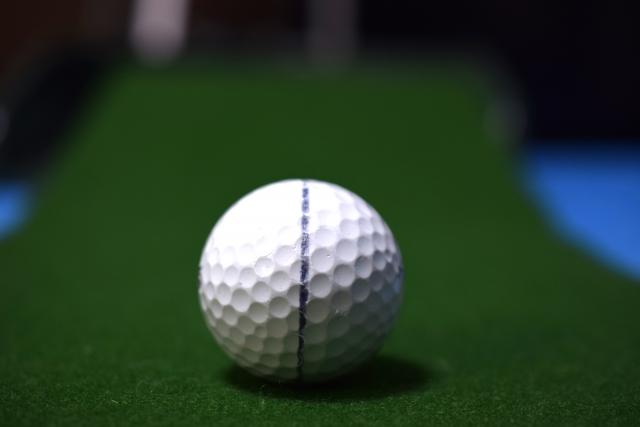 ゴルフボールに書くために生まれたラインマーカー用のペン