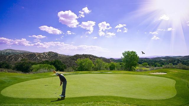 ゴルフをする上でレフティのパターは不利なの?右打ち有利?