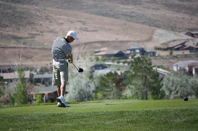 ゴルフスイングの迷いはグリップの軌道で見ていないから?