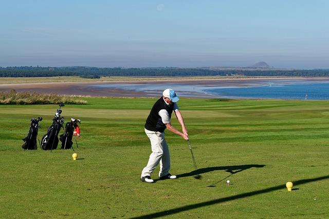 正しいゴルフスイングはグリップエンドの向きで決まる!
