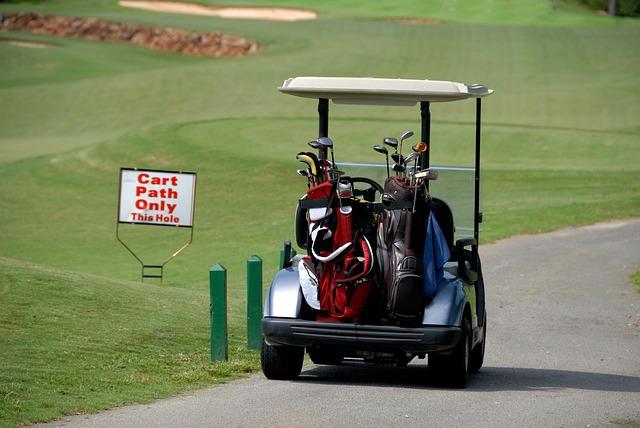 ゴルフ場でカートを利用する時のルールとエチケット