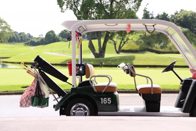 ゴルフカートの席順に迷う時はラウンドの目的で決めよう!