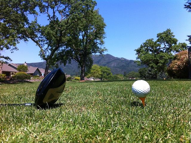 スライスするゴルフスイングを卒業するとフックに悩む?