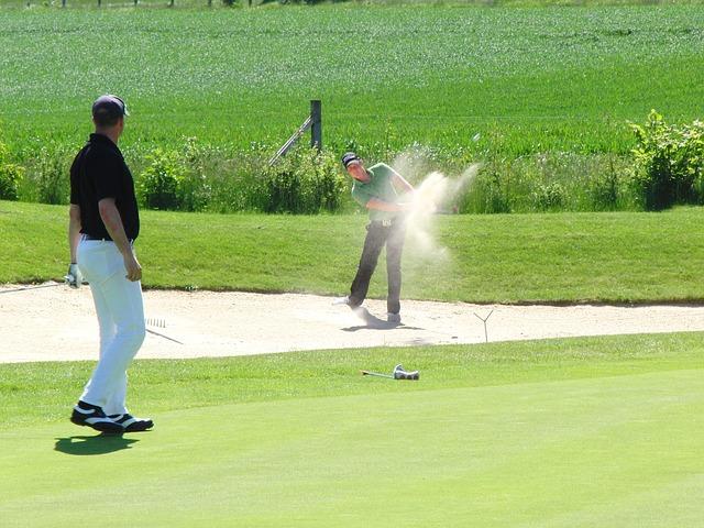 ゴルフ場でバンカーに守られているグリーンとは戦略的なの?
