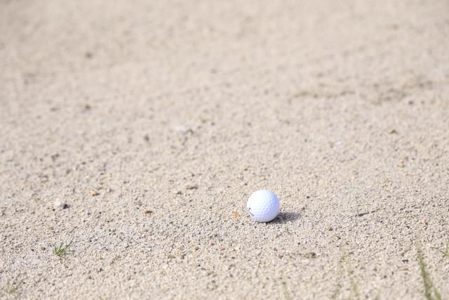 ゴルフで意外と大切なバンカーショットでの正しいボール位置