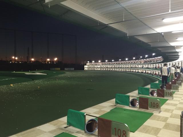 ゴルフ練習場で効果的な練習ができるのは1階?2階?右?左?