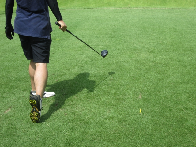 ゴルフのラウンドで消費するカロリーってどのくらいなの?