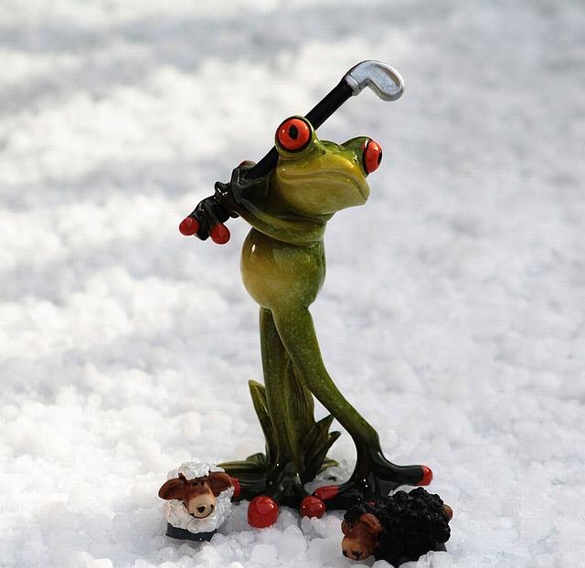 ゴルフ場が着用義務を課す服装って寒い冬でも同じなの?