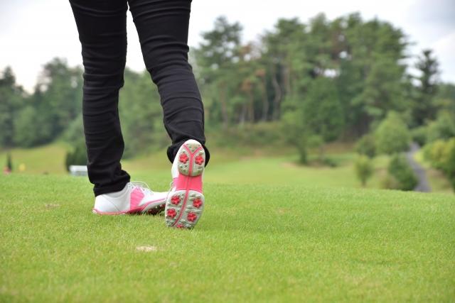 ゴルフが上手い女性は女性の特徴を生かしたスイングに徹する