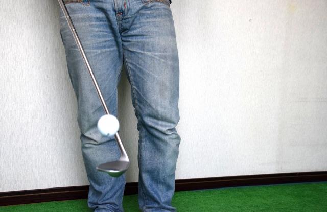 ゴルフボールを簡単にリフティングできるようになるコツ