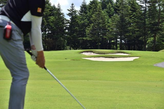 ゴルフスイングで良く聞く【右肩を下げる】の本当の意味