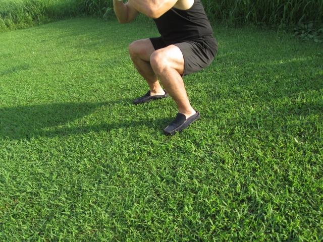 ゴルフで重要な下半身を安定させる踏ん張るスイングとは