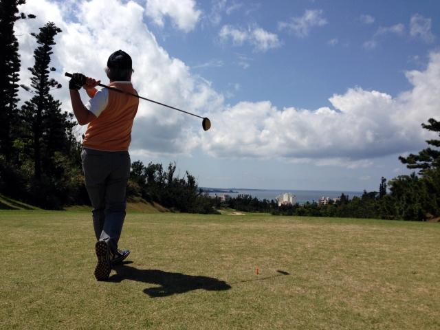 ゴルフスイングで正しく肩を回すコツを知れば上達できる?