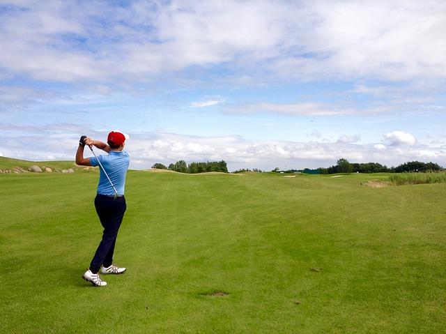 ゴルフでは肩を回すのが重要!しっかりと肩を回すドリルとは