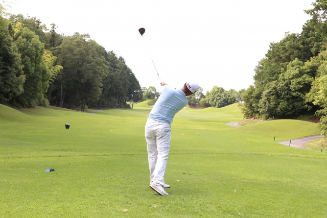 【ゴルフ上達のカギ】正しいフォローで方向性と飛距離が!?