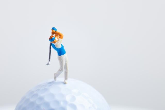 ゴルフスイングで軸を動かさないための練習法