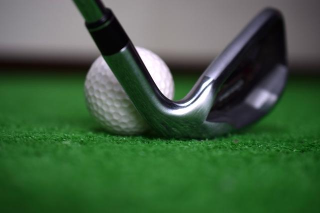 ゴルフスイングで左脇が開くとシャンクするってウソ?