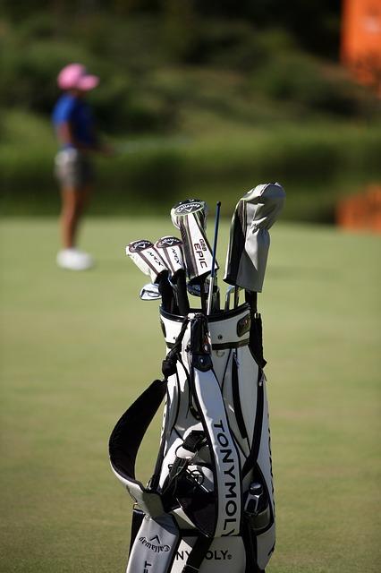 多くのゴルファーも愛用してるツアースティックの使い方