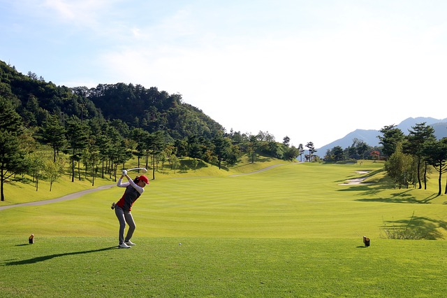 ゴルフスイングのトップの形は出前持ちスタイルを意識しよう