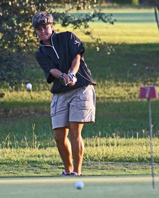 ゴルフスイングでのノーコック打法は飛距離よりも方向性重視